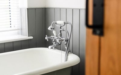 The dangers of manual bath transfers for a disabled person